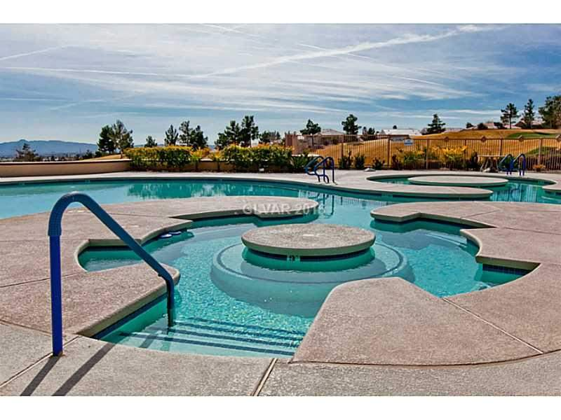 Sun-City-Summerlin-Clubhouse-Pool-2