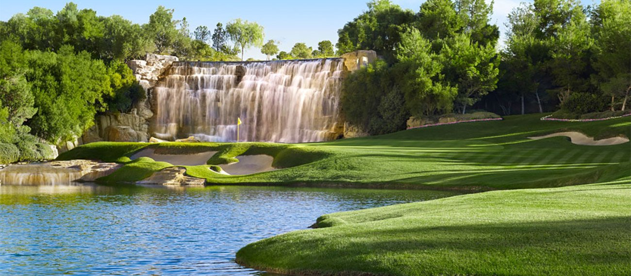 Golf course housing community