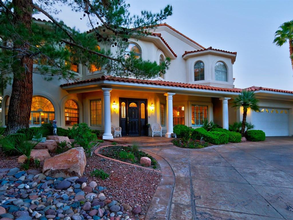 8912 Canyon Springs Dr. is having a BROKER OPEN on TUESDAY, MAY 31ST! Join Us!